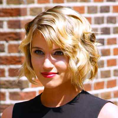 Classic-Hairstyles-for-Women-Over-40